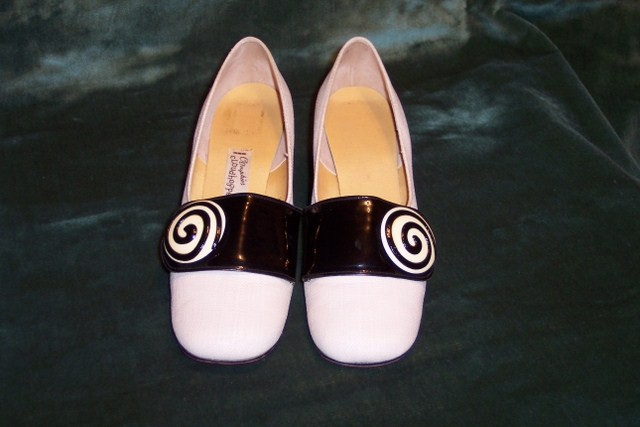 Sh 113 black & white linen patent leather buckle shoe (2)_640x427