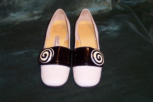 Sh 113 black & white linen patent leather buckle shoe (2)_640x427