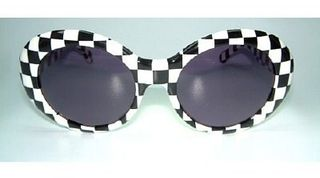 Vintage-Sunglasses-Product_E956CD50-Stylin-blue