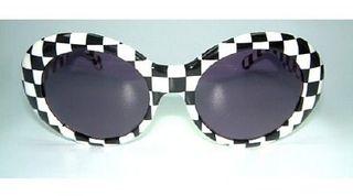 Vintage-Sunglasses-Product_E956CD50-Stylin-blue