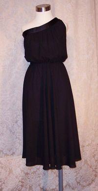 Vintage 1970s Pierre Cardin one shoulder black dress (3)