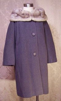 Vintage 1950s Chinchilla Collar Gray coat (3)