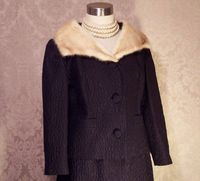 A Golet Original Vintage 1960s black suit with blonde mink fur collar (6)