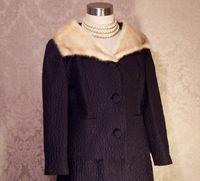 A Golet Original Vintage 1960s black suit with blonde mink fur collar (6)