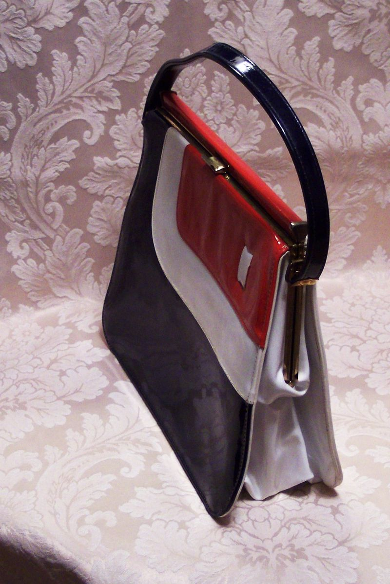 Vintage Mar Shel red white & blue patent leather purse (3)