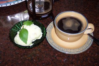 Turkey Hill Southern Lemon Pie & espresso (5)