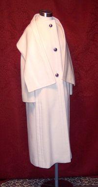 Vintage Pauline Trigere winter white coat & scarf ensemble (6)