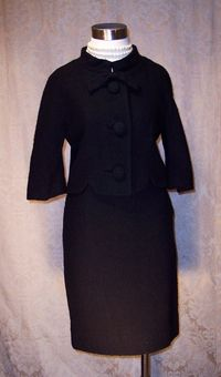Vintage 1960s Lilli Ann Black Boucle suit (3)