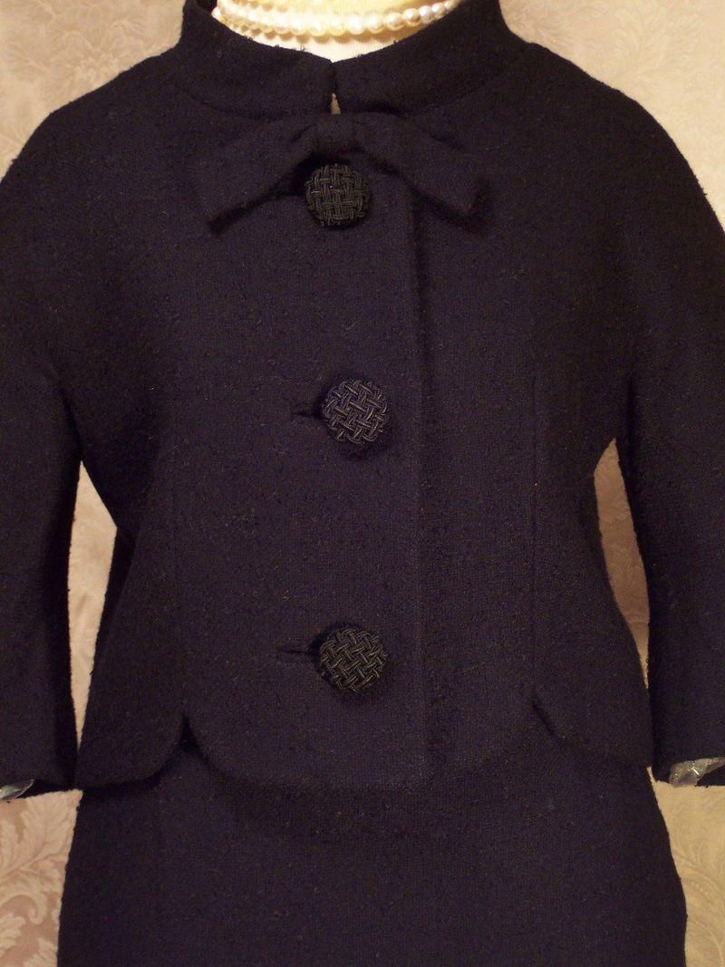 Vintage 1960s Lilli Ann Black Boucle suit (12)