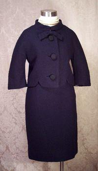Vintage 1960s Lilli Ann Black Boucle suit (10)