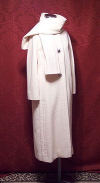 Vintage Pauline Trigere winter white coat & scarf ensemble (9)