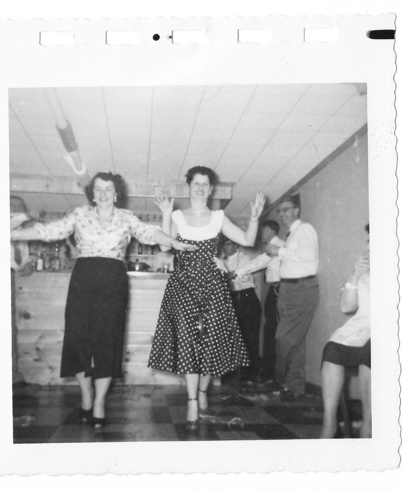 Vintage NYE party pictures c1950s  (4)