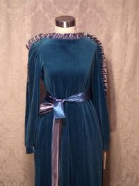 Vintage Richard Sivley for Keyloun velvet hostess dressing gown (3)