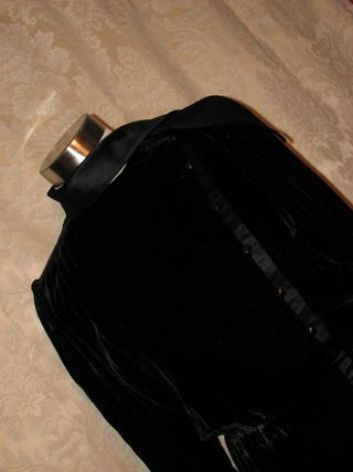 Vintage Emanuel Ungaro Parallele Paris black velvet & satin wrap dress  (4)