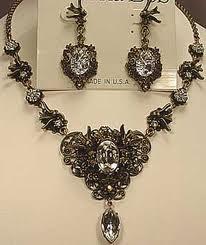 Banana bob necklace & earrings set