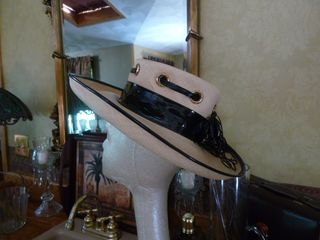 Schiaparelli vintage straw hat black patent leather trim (4)