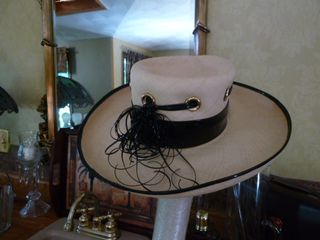 Schiaparelli vintage straw hat black patent leather trim (3)