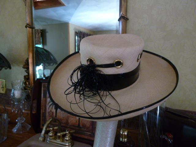 Schiaparelli vintage straw hat black patent leather trim (3)