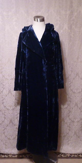 1930s vintage blue velvet hooded evening coat Filene's Boston (4)