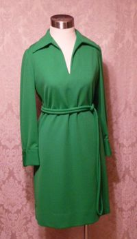 1960s Vintage AF Boutique Anne Fogarty kelly green long sleeve french cuff tunic dress turtle cufflinks  (17)