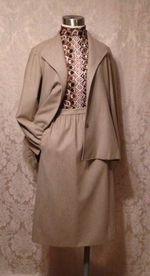 1970s Vintage Halston 3 piece khaki wool suit jacket skirt pants (17)