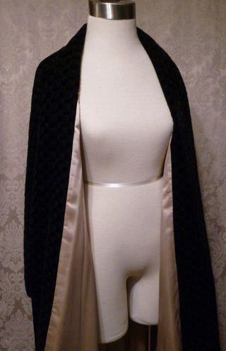 1950s Dan Millstein black velvet embroidered evening coat (6)