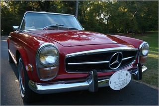 1971 MERCEDES 280 SL PAGODA TOP RED CONVERTIBLE (2)