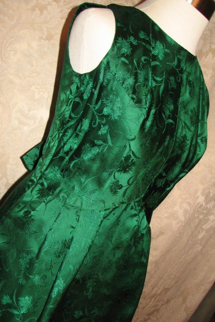 Vintage 1960s emerald green silk brocade two piece cocktail dress suit bolero jacket cut out back & bows (10)
