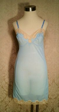 1960s vintage Emilio Pucci baby blue & nude lace full slip size small (4)