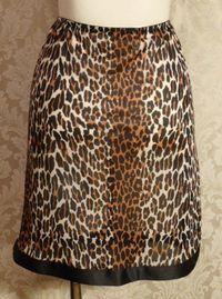 1960s Vanity Fair Leopard Print Half Slip Black Trim Bow (2)