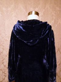 1930s vintage Filene's blue velvet hooded robe dressing gown (5)