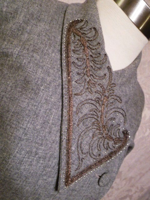 1940s vintage dress grey wool embroidered collar off center buttons jpg (9)