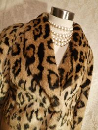Vintage 1980s faux leopard fur short cropped coat (2)