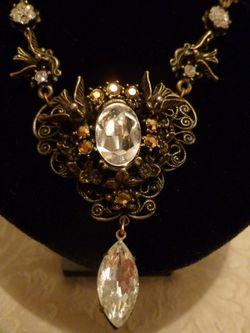Banana Bob Birds In Flight  Ornate Gold & Rhinestone Tear Drop Necklace  (6)