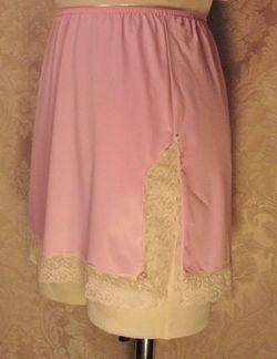 1960s vintage Van Raalte pink lace half slip made in usa (3)
