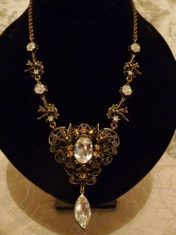 Banana Bob Birds In Flight  Ornate Gold & Rhinestone Tear Drop Necklace  (1)
