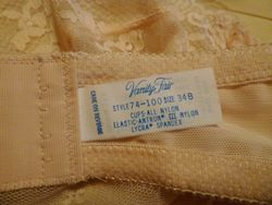 1980s Vanity Fair Flesh Tone Strapless Lace Bra 34B  (6)