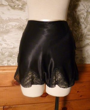 1930s Lady Duff Black Silk & Lace Tap Pants French Knickers (2)