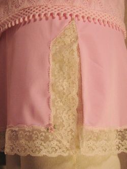 1960s vintage Van Raalte pink lace half slip made in usa (1)