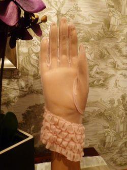 1950s vintage sheer pink ruffle wristlet gloves  (2)