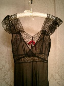 1940's bias cut sheer black lace nightgown pink bow (12)
