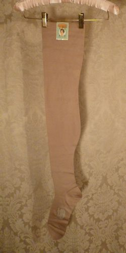 1920s vintage Lady Grace Durene Mercerized Cotton 260 Needle Stockings 005