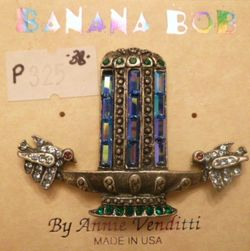 Vintage Banana Bob Love Birds Water Fountain Art Deco Style Brooch (1)