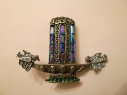 Vintage Banana Bob Love Birds Water Fountain Art Deco Style Brooch (2)
