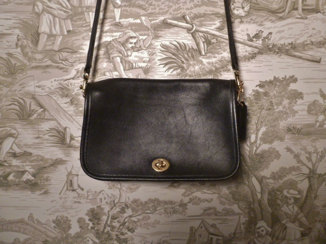 Vintage Coach 9755 black Penny Pocket Crossbody leather bag purse Made in USA (7)