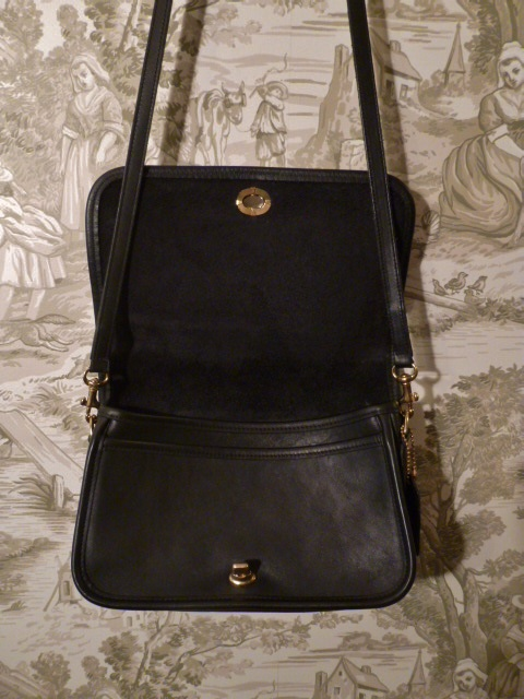 Vintage Coach 9755 black Penny Pocket Crossbody leather bag purse Made in USA (2)