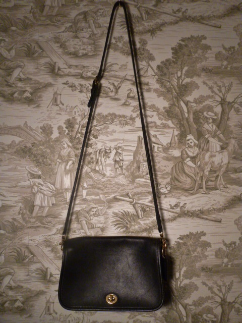 Vintage Coach 9755 black Penny Pocket Crossbody leather bag purse Made in USA (8)