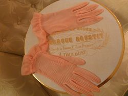 1950s vintage sheer  red & white candy stripe gloves (3)