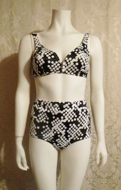 1960s 1970s vintage Jantzen vintage bikini black and white polka dot two piece bathing suit (3)