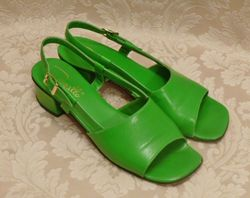 Vintage Pappagallo 1960's   green apple leather sandals made in italy size 8M (3)